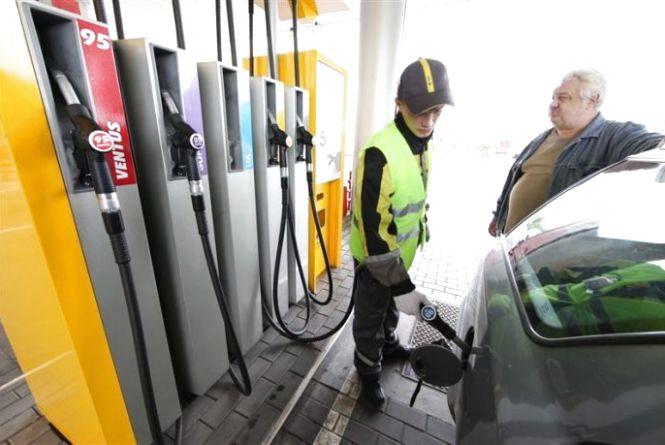 +1 грн за літр. Найбільша мережа АЗС підняла ціни на паливо