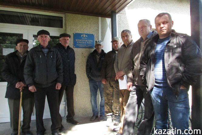 Вернигородські рибалки дійшли до місцевої влади. Чи вирішили конфлікт?