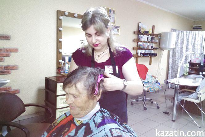 Безкоштовна стрижка. Як перукарка стала волонтером