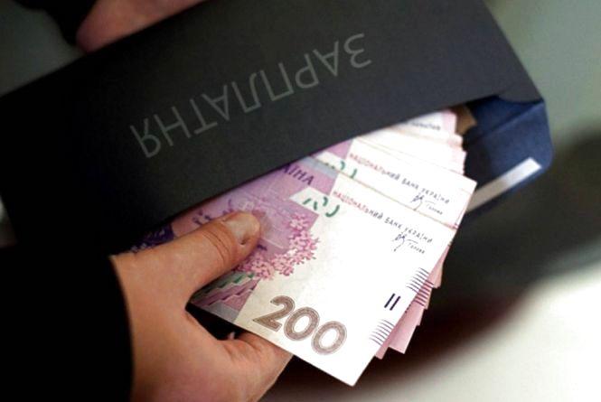За рік зарплати збільшилися на майже чверть. Хто на Вінниччині найбільше заробляє?
