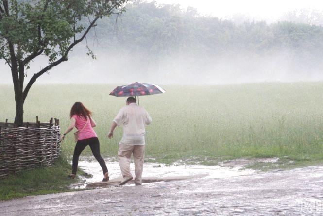 Свіжий прогноз: дощі накриють  майже всі регіони