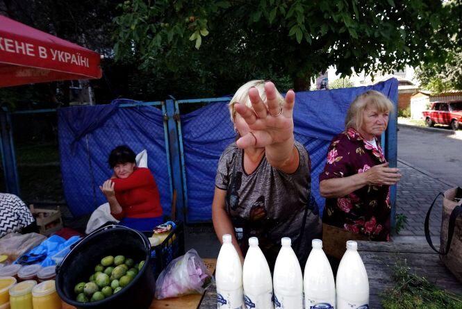 Конфлікт на ринку «Хлібодар»: козятинчанка купила несвіже молоко