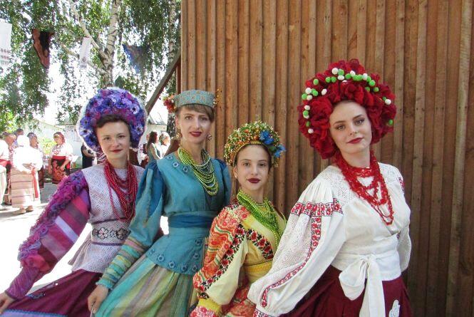 В Білопіллі на Спаса Вінниччина святкувала день обрядових хлібів (ФОТО)