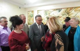 Гриценко у Вінниці: cпіч, провокації-перевірки, вручення квітів
